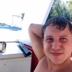 Девственник ищет опытную девушку для секса в Владимире