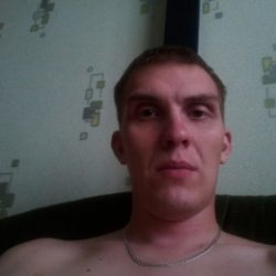 Молодой парень из Москвы ищет девушку или женщину для разовых встреч