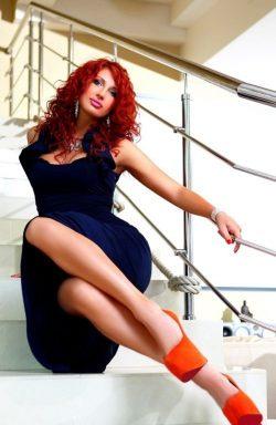 Стройненькая, светлая девушка ищет парня для классического секса в Владимире